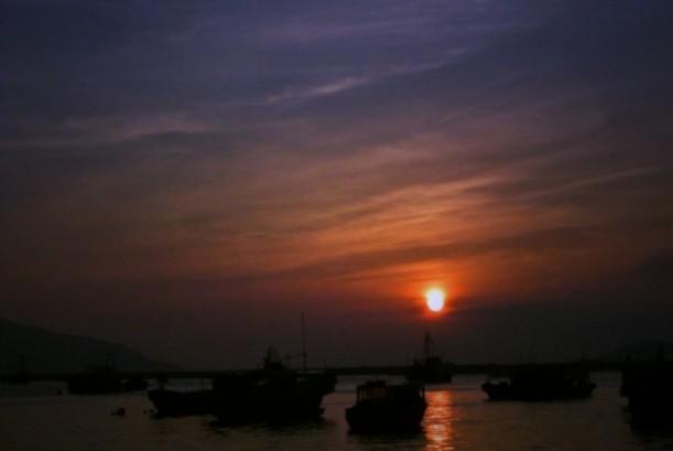 能讓人氣為之奪的夕陽美不勝收,彩霞瑰麗如畫。